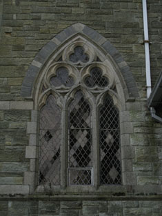 Window to side (west) elevation of northern transept
