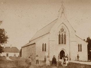 Archival photograph of church (1880).