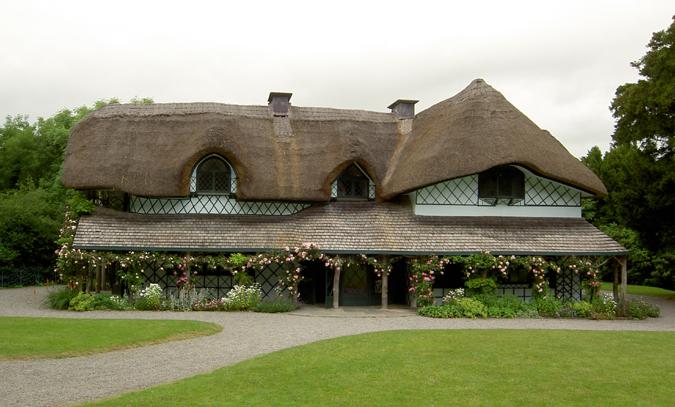 Cahir: Swiss Cottage