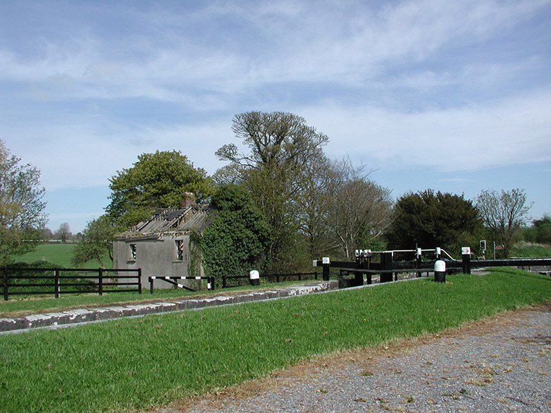 Locks and former lock keeper's house