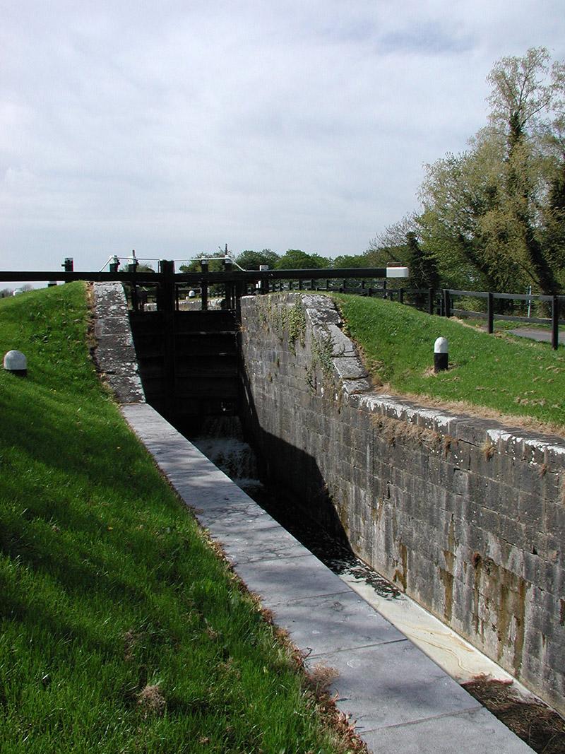Ashlar limestone embankment walls