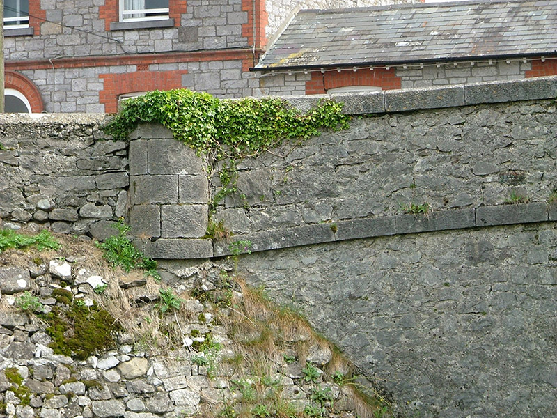 Detail of wall pier