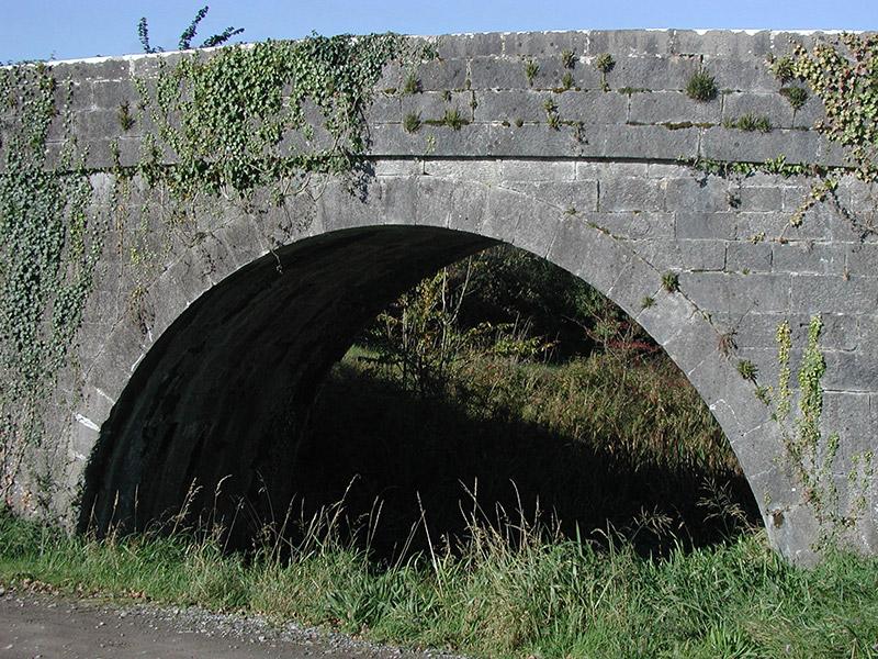 Detail of ashlar arch ring