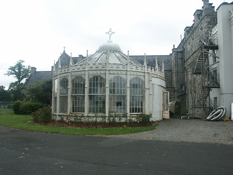 View of conservatory from driveway