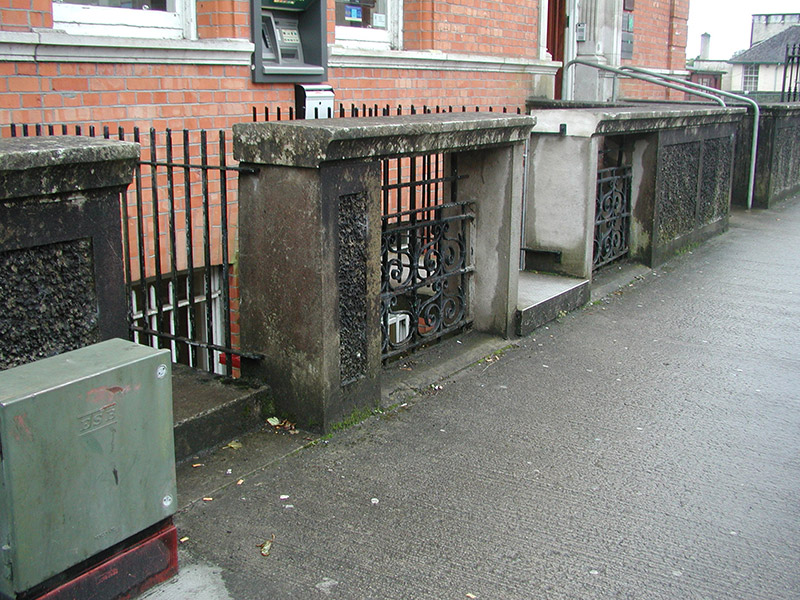 Railings to front site