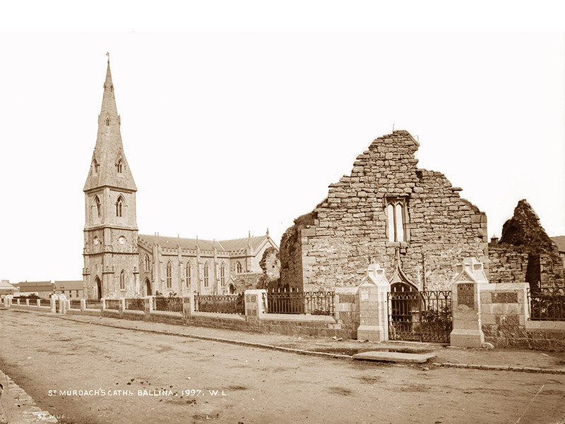 Archival photograph of cathedral (undated).