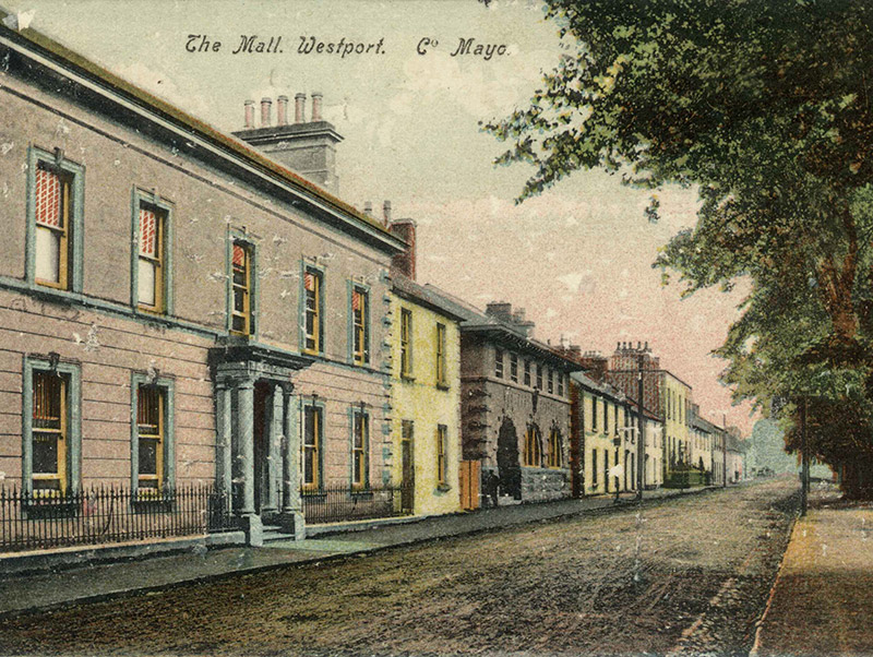 Archival postcard of post office (1908).