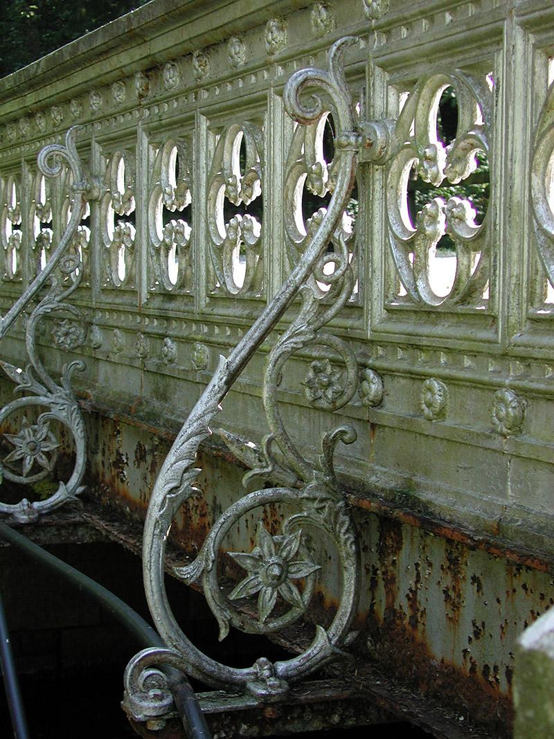 Detail of cast-iron bridge
