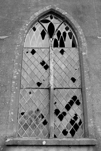 Cahans Presbyterian Church, Monaghan 04 - Window Exterior