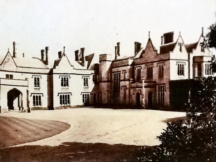 Lisnavagh House, Carlow 04 - Front (1912)