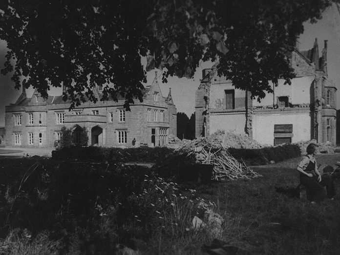Lisnavagh House, Carlow 08 - South Front (1953)