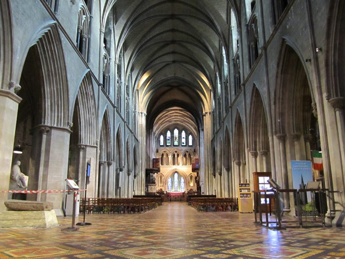 Saint Patrick's Cathedral, Dublin 05 – Tiered Nave