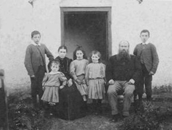 Thatched House, Ballygarran, Wexford 03 - The Redmond Family